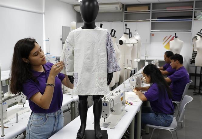 Un pijama para regenerar la piel de los niños quemados en Perú