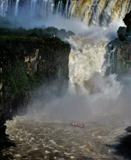 There are several ways to get close to the falls, including by helicopter and boat. A boat trip will take you beneath the falls, which makes it a thrilling experience!