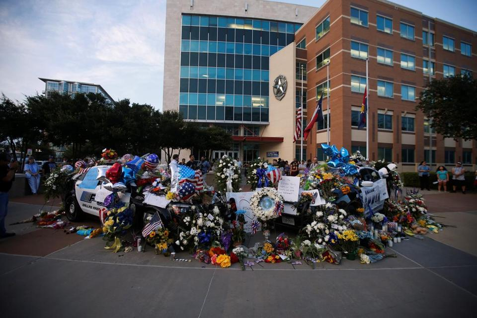 The falling of two Iowa police officers