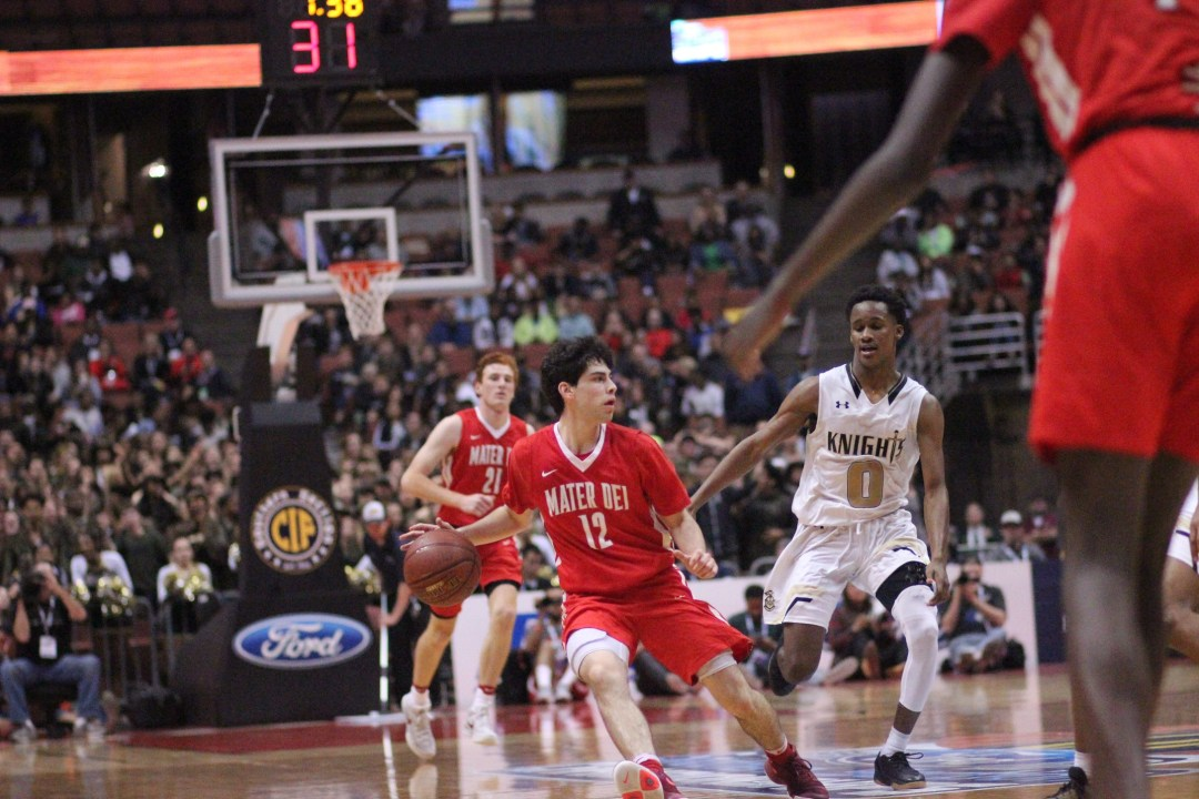 Freedman drives to the basket for Mater Dei. Blake Atwell/ LA Times HS Insider.