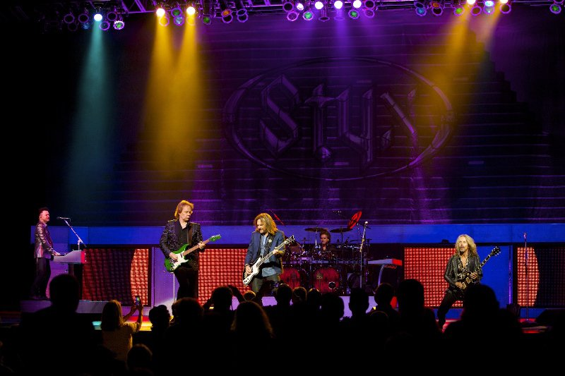 Concert Review: Styx light up the Pacific Amphitheater in Costa Mesa