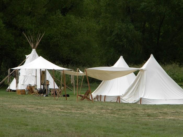 primitive-camp-439928_1920