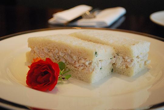 Mayonnaise chicken sandwiches