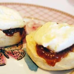 Freshly baked scones at the Grand Hyatt Melbourne