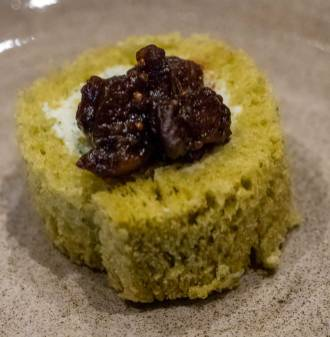 Smoked salmon blinis, dill crème fraiche, caviar