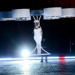 O vestido voador de Lady Gaga