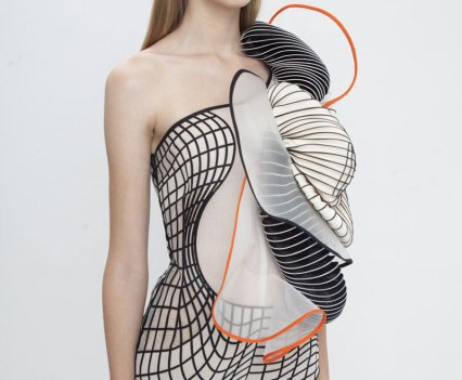 Hard Copy, coleção com impressão 3D da designer israelita Noa Raviv. Fotografias por Ron Kedmi