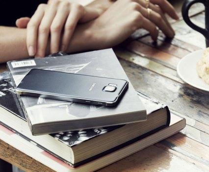 Alpha, o novo smartphone da gama Galaxy, da Samsung