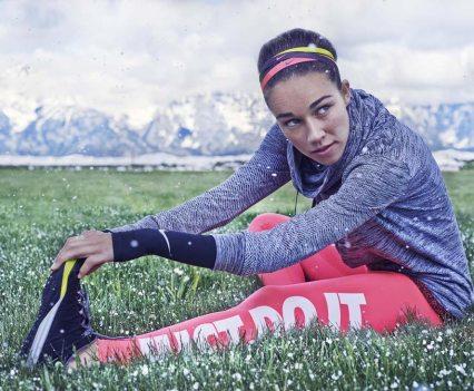Exercícios com as atletas de Inverno na app Nike+ Training Club. Na foto Sarah Hendrickson