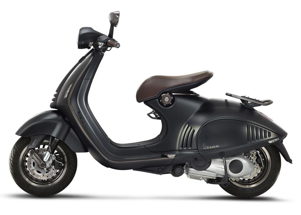 Vespa 946 Emporio Armani