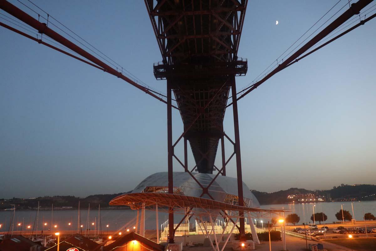 No P7 da Ponte 25 de Abril com uma Canon EOS M6