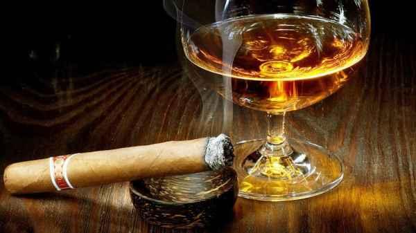 First Alcohol Association Supports Recreational Marijuana