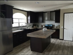 Kitchen in Manufactured Sectional LM-1