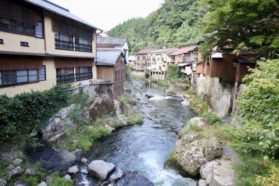 湯の鶴温泉街