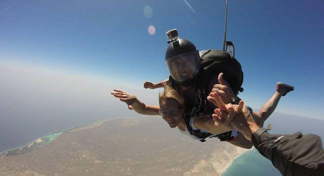 1_salto_en_la_isla_de_la_tortuga_higueroteonline