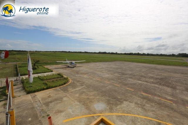 aeropuerto_terraza_higueroteonline