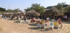 playa_club_aguasal_higueroteonline