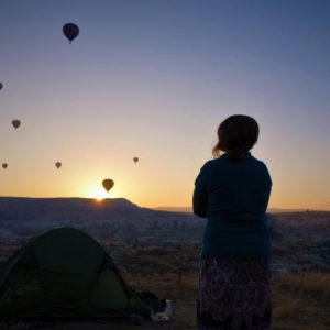 jak wybrać sprzęt campingowy