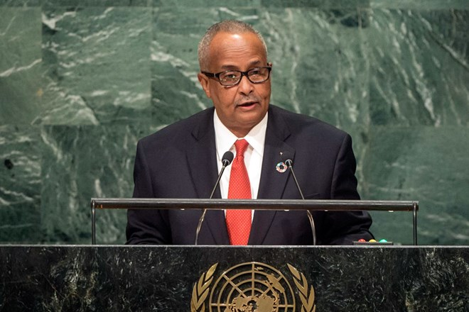 Foreign Minister Abdusalam Hadliyeh Omer of Somalia addresses the general debate of the General Assembly's seventy-first session. UN Photo/Cia Pak