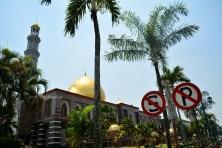 masjid dari samping