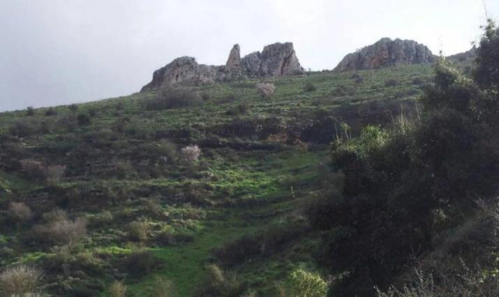 Cliffs in Nahal Dishon