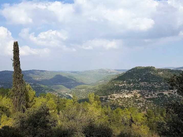 The view from Beit Itab ruins