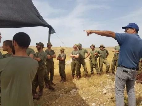 Israeli soldiers in the excavation
