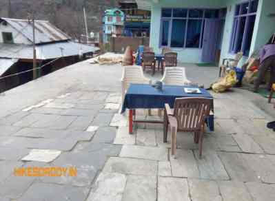 sunset-guest-house-Cafe-tosh-hikesdaddy-2_1.jpg