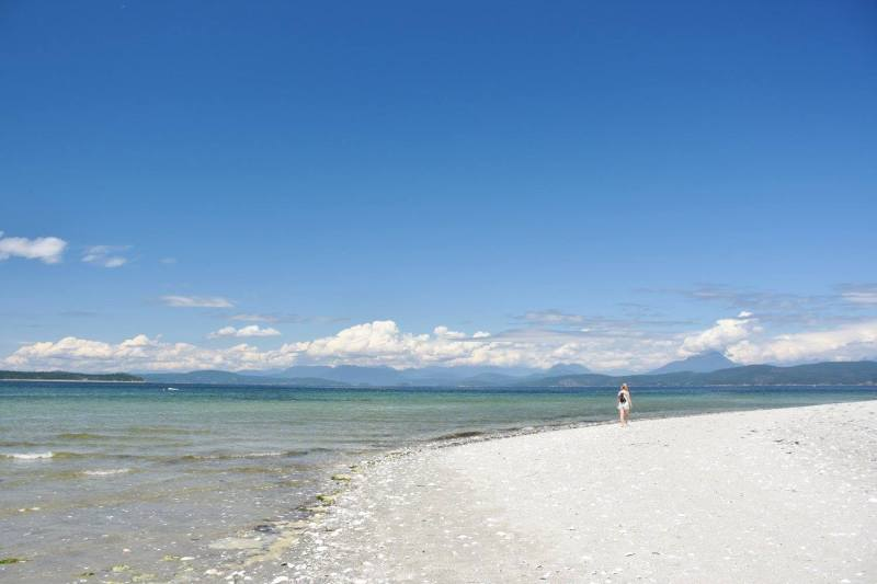 Indian Point beach, Savary Island BC, white sand beach, tropical paradise, hikes near vancouver, best weekend getaway, cabin rental