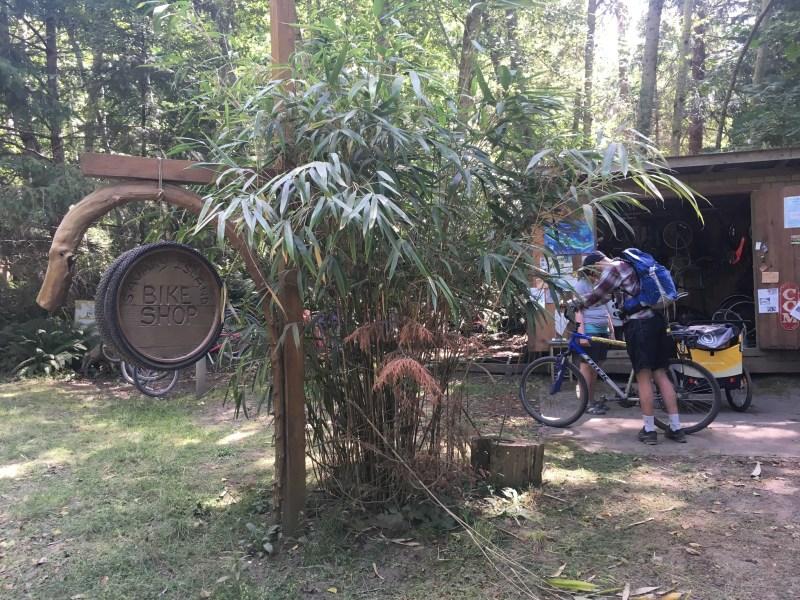 savary island bike rental shop