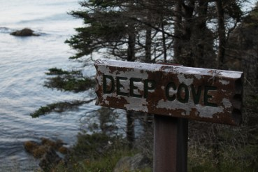 The sign on the Tors Cove side of Deep Cove.
