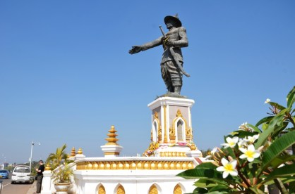 Anouvong-Statue