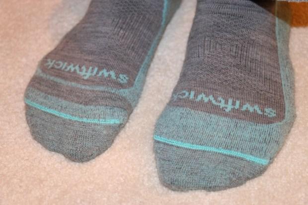 Swiftwick Pursuit Hike Socks - Light Cushion