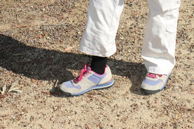 Hiking Lady testing out the Massdrop Fitsoks