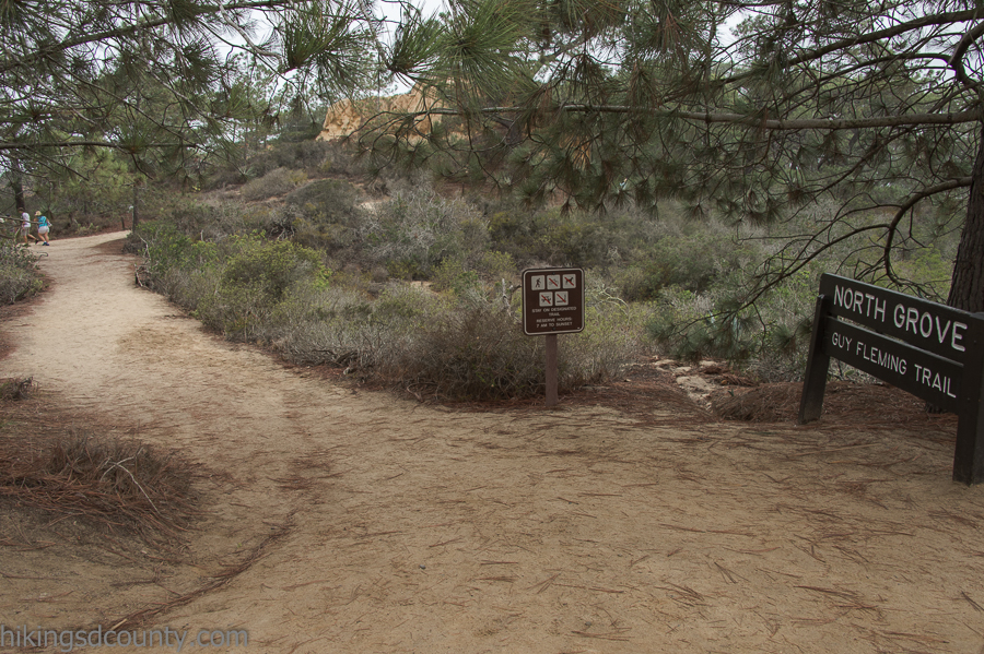Trail head for the Guy Fleming trail at Torrey Pines