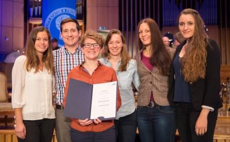 Gruppenbild mit Urkunde (Bildquelle: Volker Lannert)