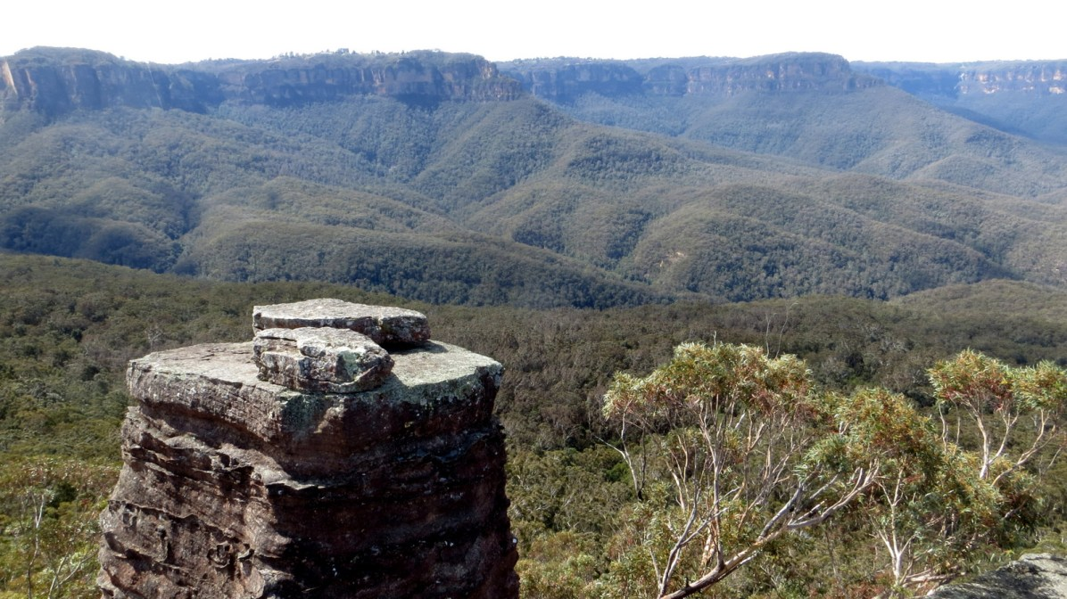 Looking across Jamison valley to Katoomba from Ruined Castle