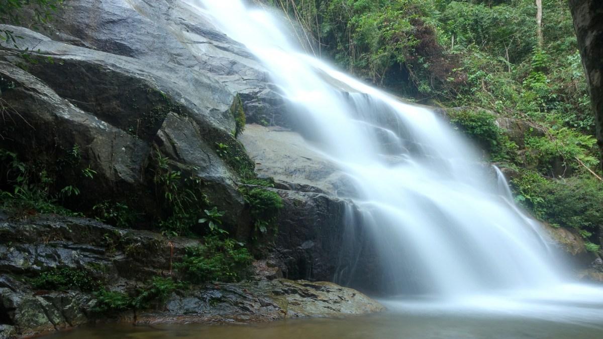 dsc01326 Medang Falls (Lata Medang)