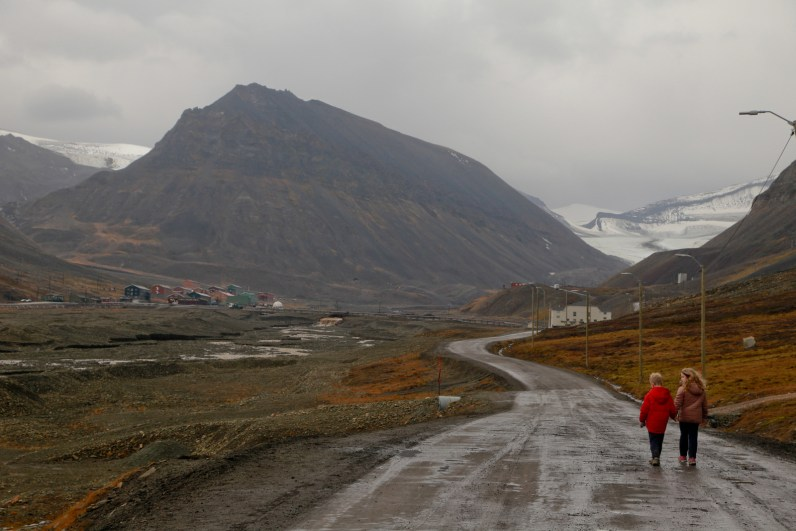 Walking back to Longyearben village from Nyben