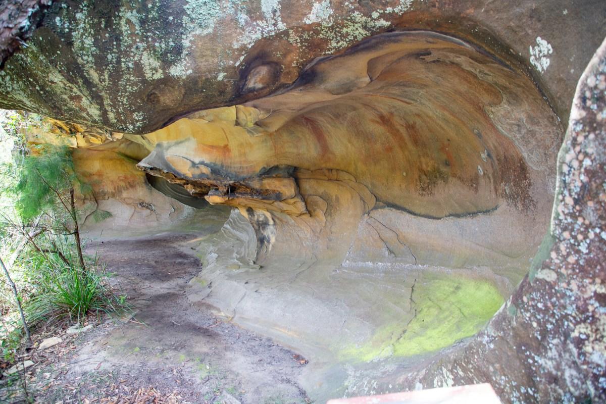 awat6338 lr Upside Down Man Cave (Popran NP)