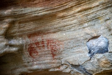 Hand print at Red Hands Cave (West Head)