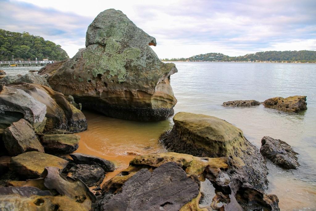 AWAT5839 LR Shark Fin Rock