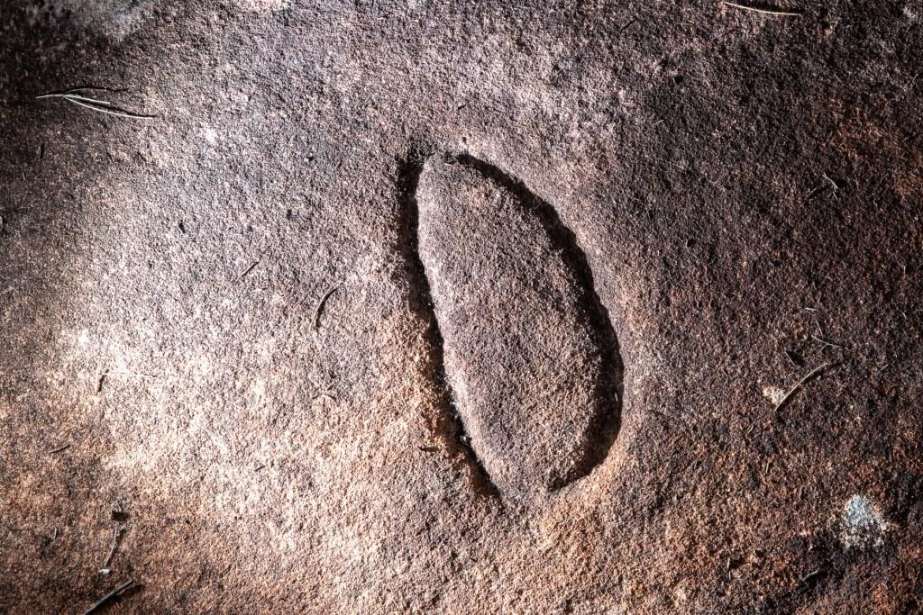 AWAT9853 LR Resolute Track Aboriginal engraving sites