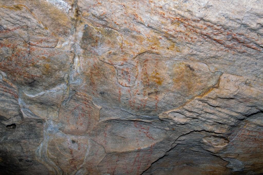 AWAT9932 LR Cliff Oval Shelter (KUR0012)