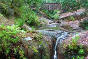 HPIM4453 LR Boarding House Dam waterfall