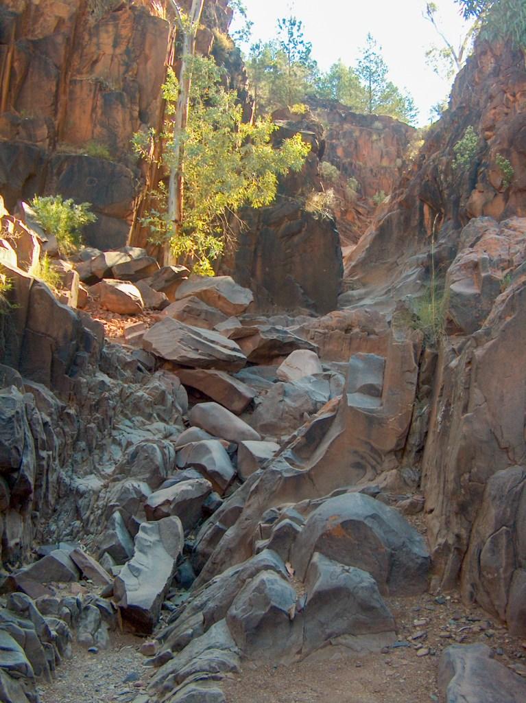 HPIM3247 LR Sacred Canyon (Flinders Ranges)