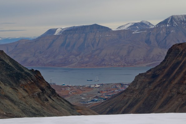 Longyearben and Adventfjord beyond the Lars glacier