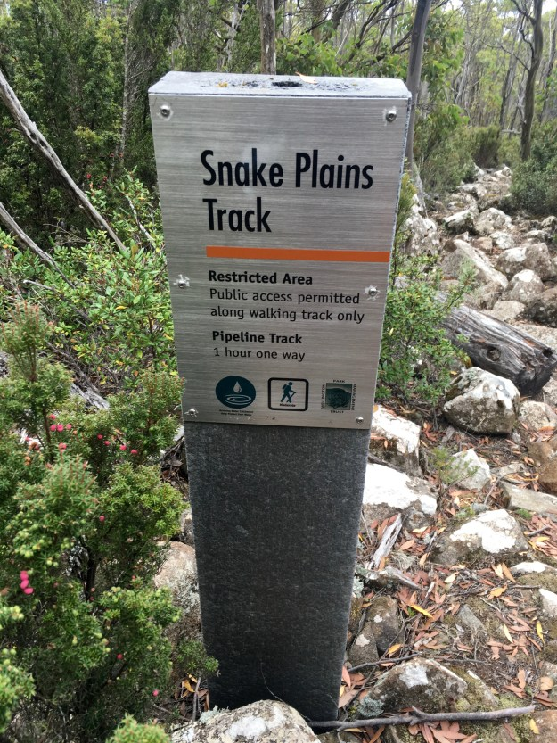 Signpost at the beginning of the track