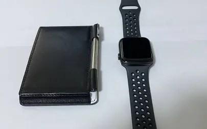 Apple Watchと並べた画像