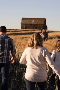 Fitting Family, Home and Work into Everyday Life